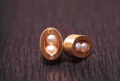 Beanz (stud earrings) 1998