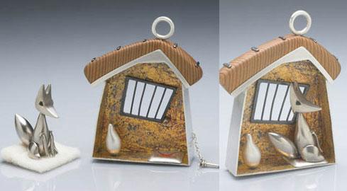 Foxhaus (brooch/pendant)