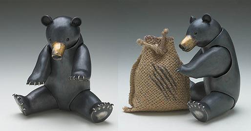 Bear Mum (sculpture)