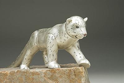 Snow Leopard Ascends....sculpture