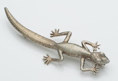 Gecko brooch