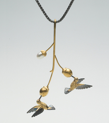 Hummie at Flower pendant